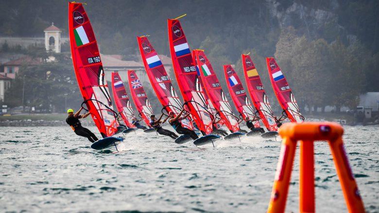 Drie Nederlanders in finale officieus WK iQFOiL – olympisch windsurfen Parijs 2024