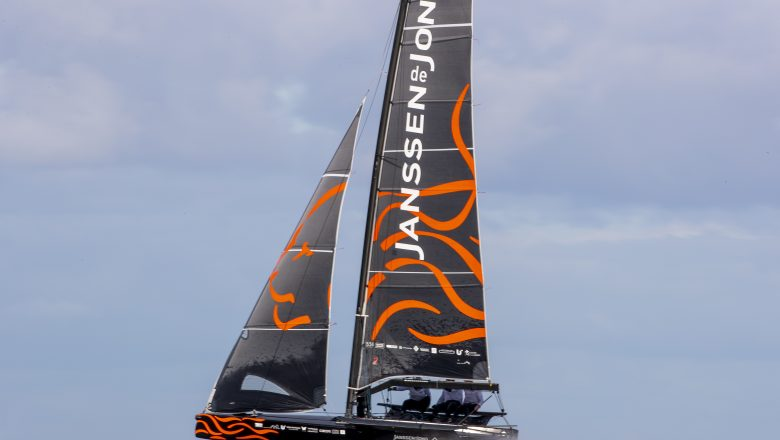 Team DutchSail – Janssen de Jong namens Nederland naar Liberty Bitcoin Youth Foiling World Cup